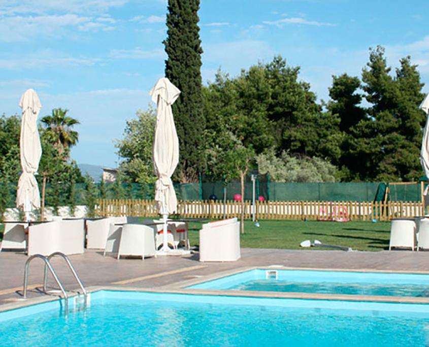 "Exterior Design ""Zeis Edw"" pools"