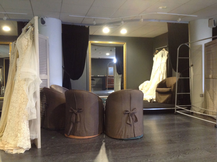 "Interior Design ""Atelier Zolotas"" womens room overview"