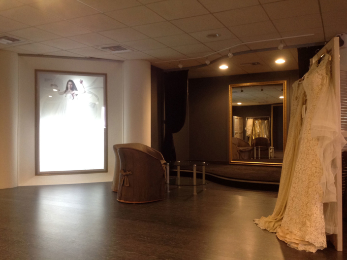 "Interior Design ""Atelier Zolotas"" womens room overview left side"